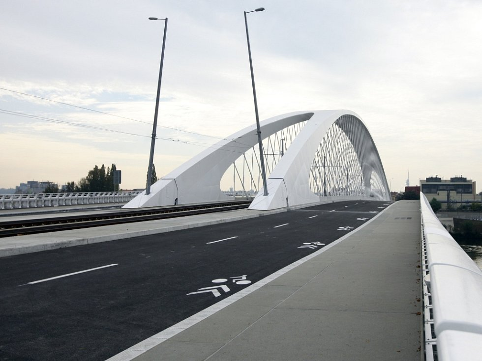 Trojský most.