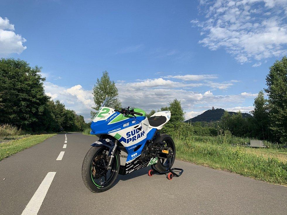 Pražský jezdec Oliver König pojede na závodech v Mostě v nových barvách.