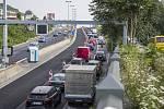 Opravy silnic v Praze způsobují kolony.
