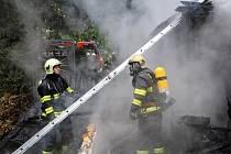 Požár bývalé tančírny v Záběhlicích.