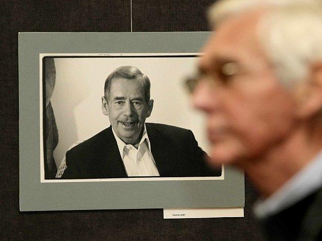 Václav Havel na fotografii Oldřicha Škáchy.