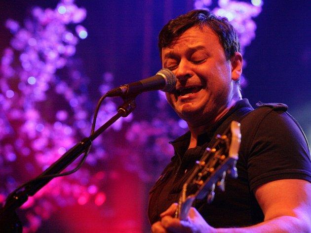 Koncert kapely Manic Street Preachers v pražské Lucerně ve středu 25.dubna.