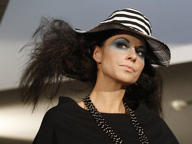 Přehlídka návrhářky Martiny Nevařilové proběhla 16. května v Praze.