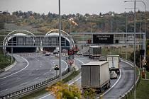 Tunel Lochkov na Pražském okruhu.