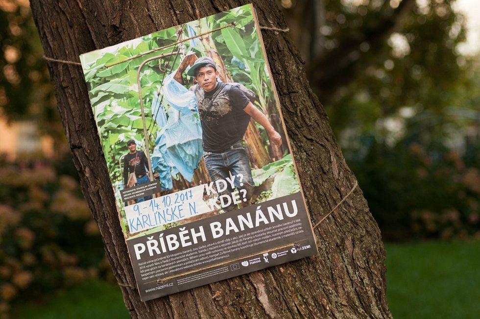 Výstava v Karlíně ukazuje příběhy pracovníků na banánových plantážích.