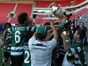 ...a pak už přišla radost s pohárem pro nejlepší tým All star cupu