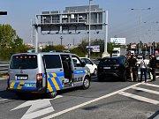 Pražští policisté zadrželi zdrogovaného Poláka, který ukradl luxusní vůz rakouskému architektovi.