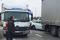 Dopravní nehoda na Pražském okruhu u Slivence