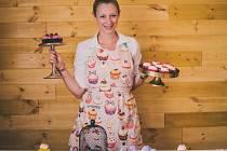 Lenka Hnidáková se svými dortíky