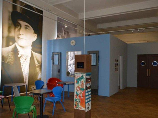 Z výstavy Pražské biografy/Pomíjivé kouzlo potemnělých sálů.