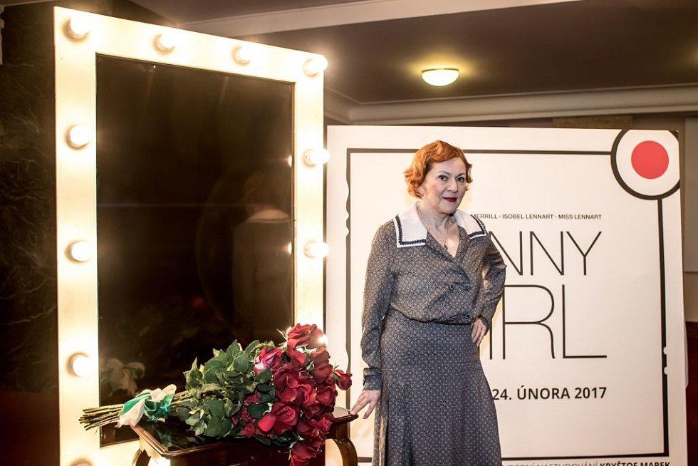 Ukázka kostýmů k chystanému představení Funny Girl v pražském Divadle Dva. Na snímku Lenka Termerová.