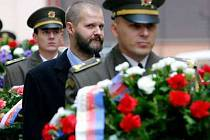 Památku studentů bojující za svobodu uctil minulý rok i rektor Univerzity Karlovy Prof. Václav Hampl.