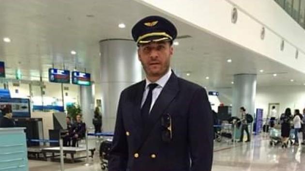 Podvodník se vydával za pilota.
