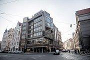 Brutalistická budova svazu studenstva (roh Pařížské a 17.listopadu) v Praze.