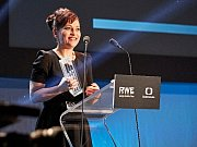 Cenu české filmové kritiky 2015 za Nejlepší ženský herecký výkon převzala Alena Mihulová za ztvárnění Vlasty ve filmu Domácí péče.
