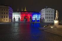 Nasvícený Pražský hrad 17. 11. 2020.
