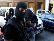 PROTEST. Příznivci extrémní pravice demonstrovali Na Perštýně.