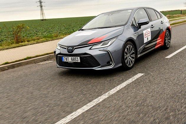 Test vPraze: Hybridní Toyoty jezdily až ze 70procent zcela bez emisí.