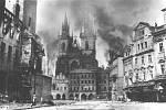 Pražské povstání. Staroměstské náměstí v květnu 1945.