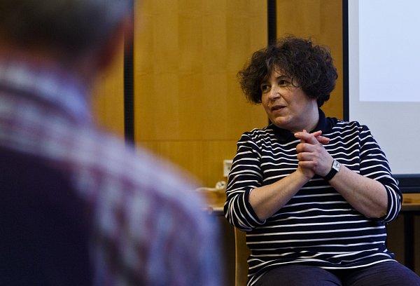 Setkání se spisovateli při Velkém knižním čtvrtku 20.března vPraze. Irena Dousková