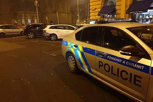 Silvestrovská dopravní nehoda v Bělehradské ulici.