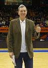 Basketbalové utkání Kooperativa NBL mezi celky USK Praha a ČEZ Basketball Nymburk 2.února v Praze. Jiří Zídek slaví 75. let.
