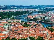 Letecký pohled na Prahu. Ilustrační foto.