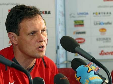 Slovenský kouč Stanislav Griga podepsal s klubem Viktorie Žižkov roční smlouvu.