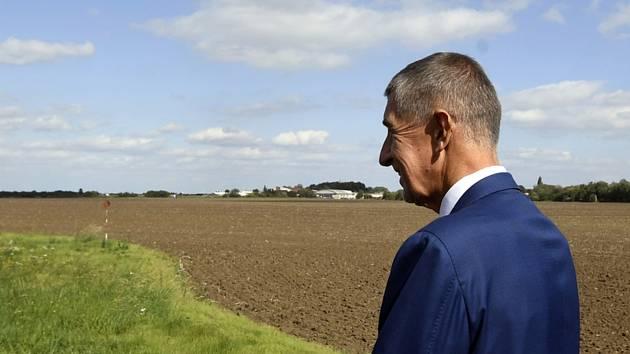 Premiér Andrej Babiš na pozemcích v Letňanech.