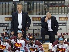 trenér Sparty Jiří Kalous a asistent trenéra Jiří Veber.