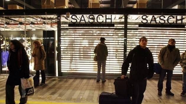 PRVNÍ VLAŠTOVKA. Italský obchod se nachází ve zrekonstruované části budovy hlavního nádraží.