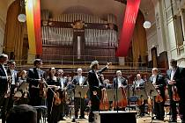Adventní atmosféru vám pražští symfonici FOK dokáží přinést i online přes svůj YouTube kanál.