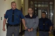 Milan Bešťák u soudu.