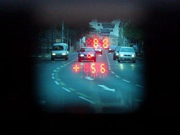 TAK KDE MĚŘÍ? Od úterý jsou pražští řidiči od této informace vzdáleni jen pár kliknutí./Ilustrační foto