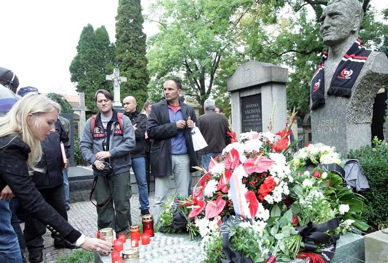 Zpět k hvězdám. Josef Bican zemřel před 20 lety. In memoriam byl uveden do Síně slávy Fotbalové asociace ČR