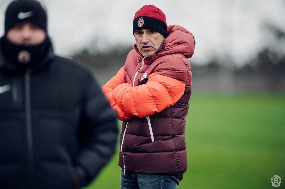 Zimní příprava fotbalistů Sparty Praha. Na snímku je v utkání s Českými Budějovicemi trenér Václav Kotal.