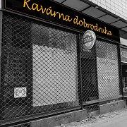 Student VŠE zakládá cestovatelskou kavárnu