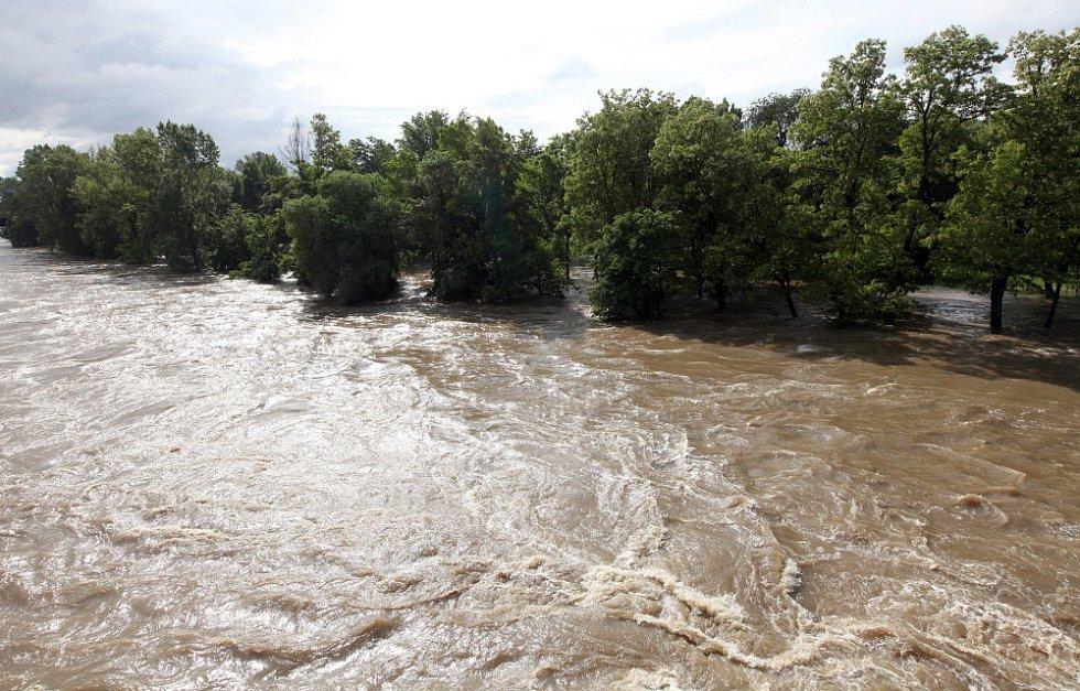 Povodně v Praze v úterý 4. června. Ostrov Štvanice.