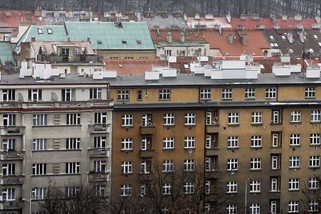 Celkem by se v Praze 8 mělo zprivatizovat přibližně 4500 bytů. Nezprivatizovaných jich zůstanou 4000.