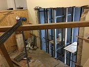 Páternoster se opravuje od září. V provozu by měl být od půlky února