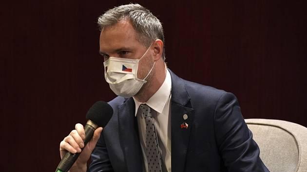 Pražský primátor Zdeněk Hřib kritizuje Babišovu vládu kvůli očkování opakovaně.
