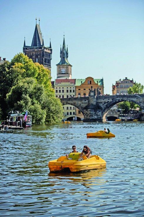 Šlapadla na Vltavě.