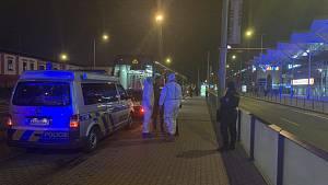 Napadení muže v tramvaji v pražské Libni