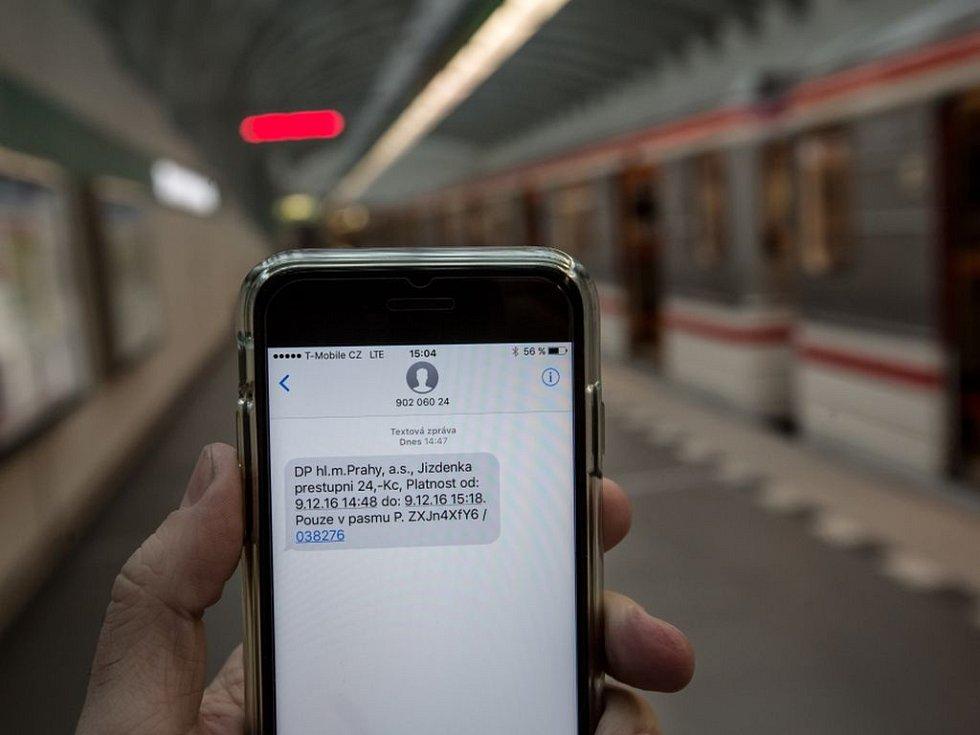 SMS jízdenka.