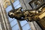 Podle jedné verze chrliče představují obránce stavby a měly odstrašovat zlé síly zvenčí...