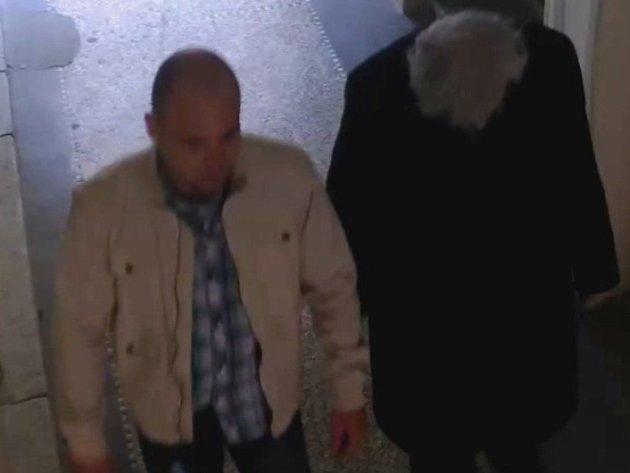 Seniora obral falešný policista.