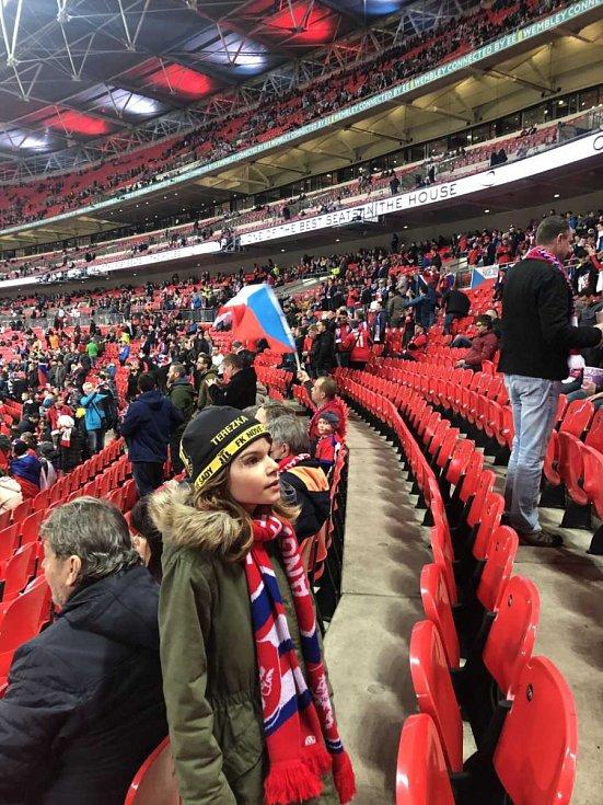 Josef Ondroušek s dcerou z Prahy ve Wembley.