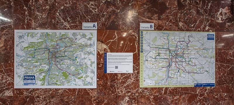 Mapa, nebo schéma? Na Florenci a na Palmovce najdou cestující dva typy map Prahy s linkovým vedením MHD.