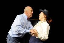 Na Harfě se v pondělí večer hraje komedie Neila Simona Poslední ze žhavých milenců.