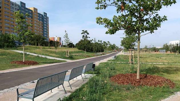 Centrální park na Chodově po revitalizaci.